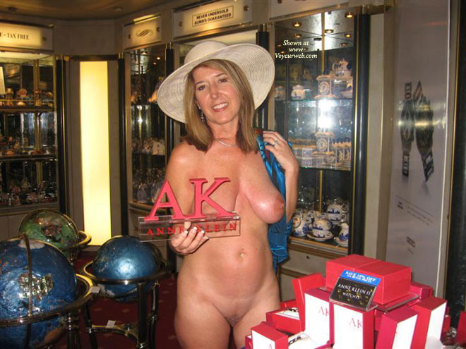 Pic #7 - Nude On The Cruise Ship