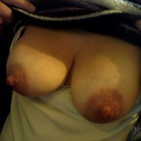 Small tits of my wife - moglie