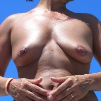 Small tits of my wife - Mat