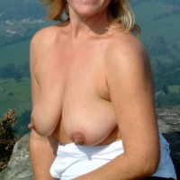 My medium tits - Josie Juggs