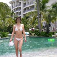 Hot-cat @ Hotel Pool