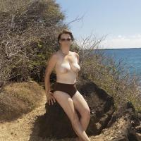 Medium tits of my wife - Dizzy