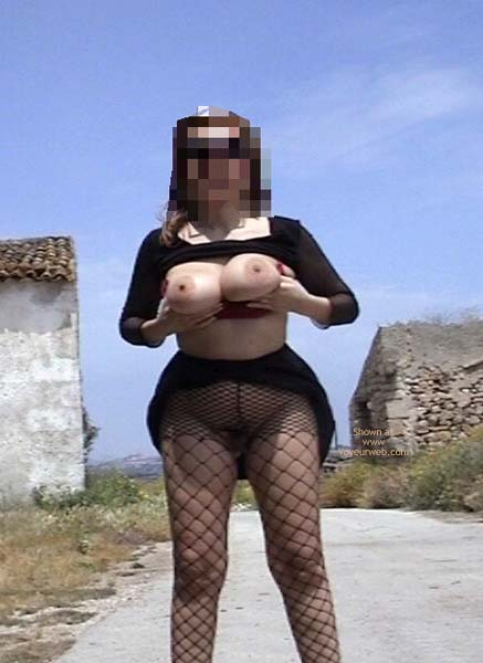 Pic #4 - Bi Busty Wife Out Door