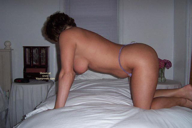 Pic #7 - Shania Bedroom Shots
