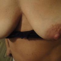 Medium tits of my girlfriend - moglie