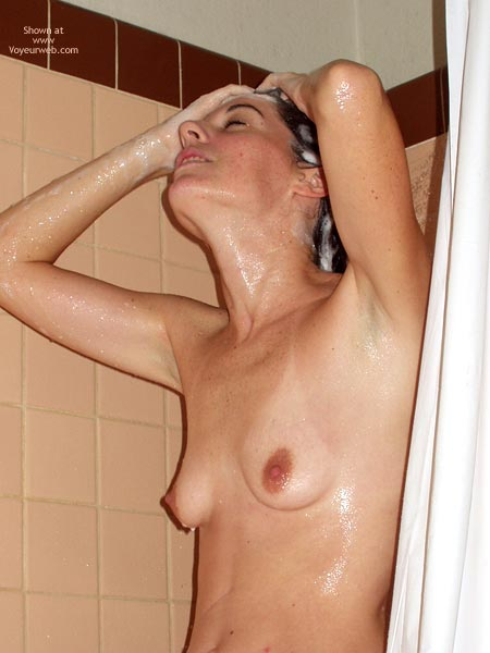 Pic #8 - Amy Shaving In The Shower