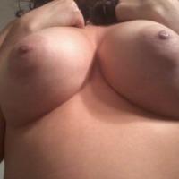 Medium tits of my wife - Rea