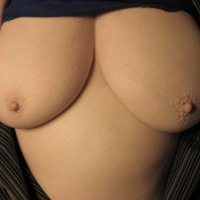 Medium tits of my girlfriend - Sammy