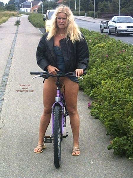 Pic #2 - Ja Ol On Bicycle To Shopping In Fotex