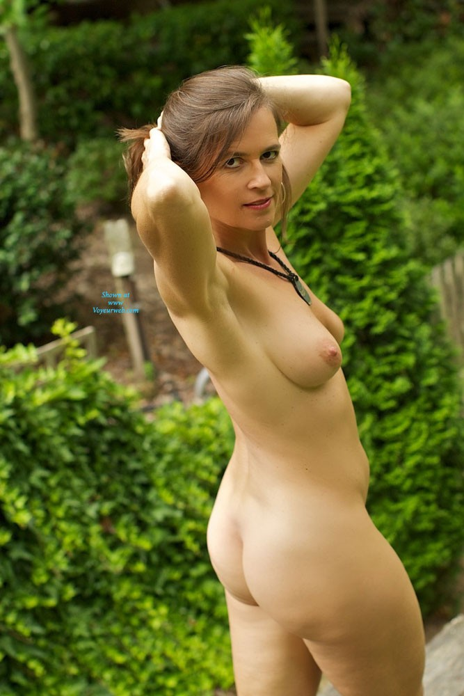 Pic #10 - VanessaB - Brunette, Outdoors