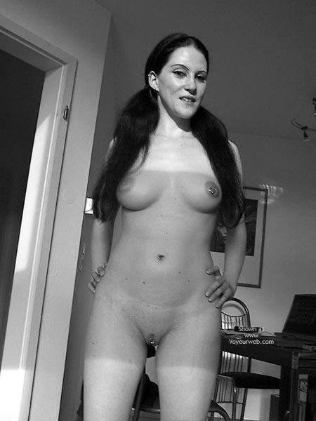 Pic #3 - Sandra 29 Nude At Home