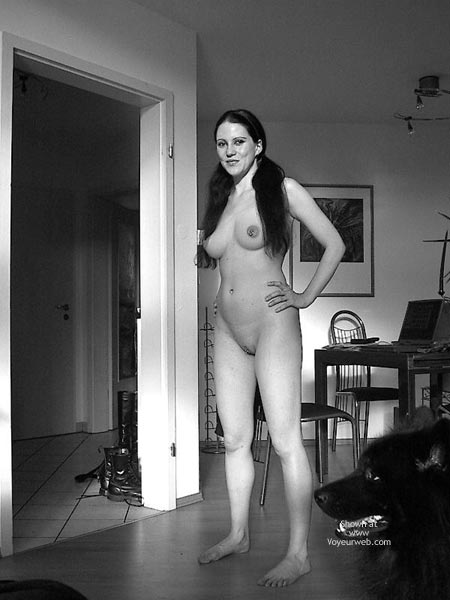 Pic #6 - Sandra 29 Nude At Home