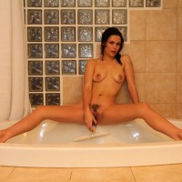 Bath Time - Latina, Wet