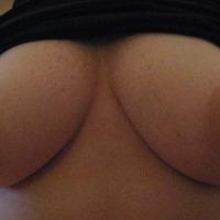 Medium tits of my girlfriend - sara