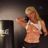 Boxing - Mature, Blonde