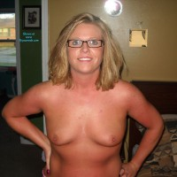 Missi #2 - Wife/Wives, Blonde