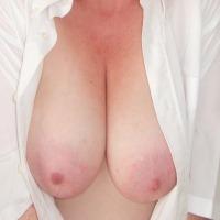 Medium tits of my wife - Good Wife