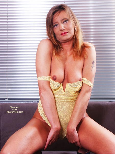 Pic #2 - Susy Rocks In Yellow
