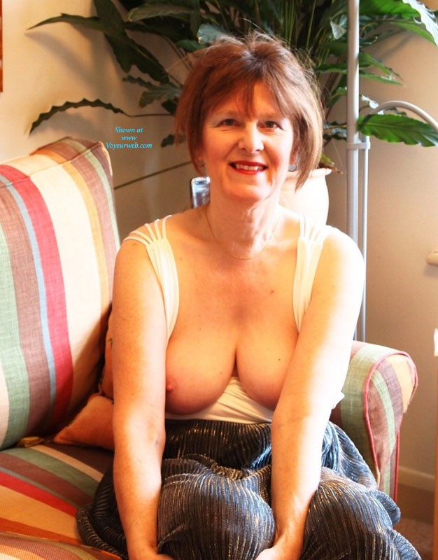 Mature Entertaining In The Nude Pics 19