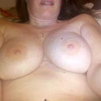 Very large tits of my room mate - Beth