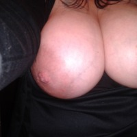 Very large tits of my wife - Mmmounds