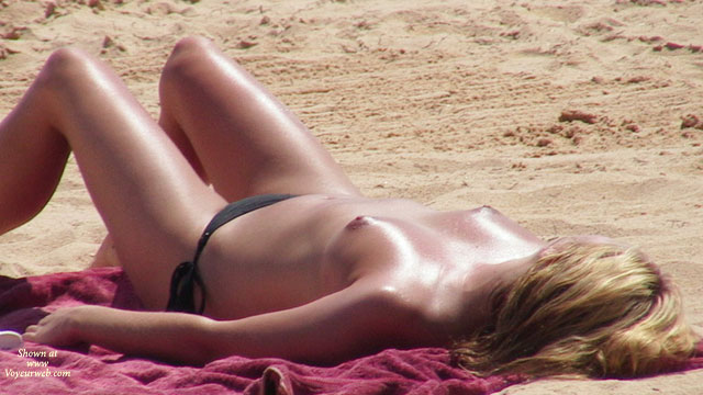 Pic #1 - 2007 Selection Of Beach Beauties , Some Nice Girls On Portuguese Beaches.