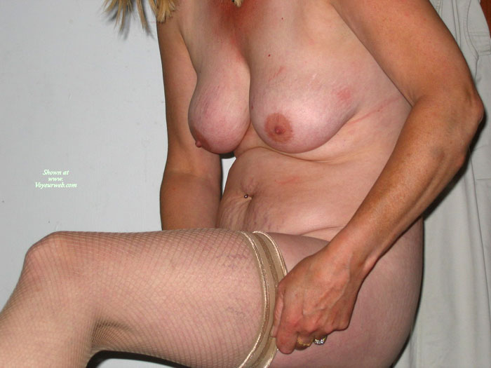 Pic #1 - 46 Year Old Gran , 46 Y O Loves To Flash
