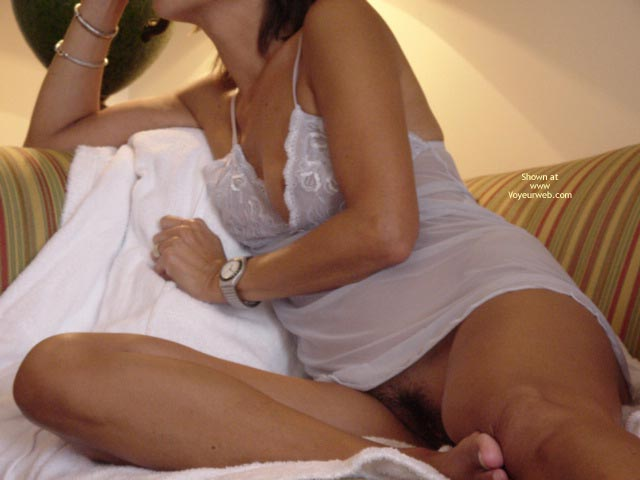 Pic #7 - Wife Teasing Me In Hotelroom Serie 1