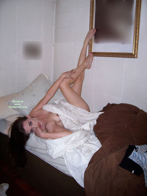 Pic #1 - Naked Girlfriend Posing On Bed - Black Hair, Long Legs, Naked Girl, Nude Amateur, Sexy Legs , Girlfriend On Bed, Long Skinny Legs, Fingers In Mouth, White Sheets Dress, Peek-a-boo Nipple, White Sheet, Peeking Nipple, Luscious Legs, Classy Bed Pose, Sexy Eyes