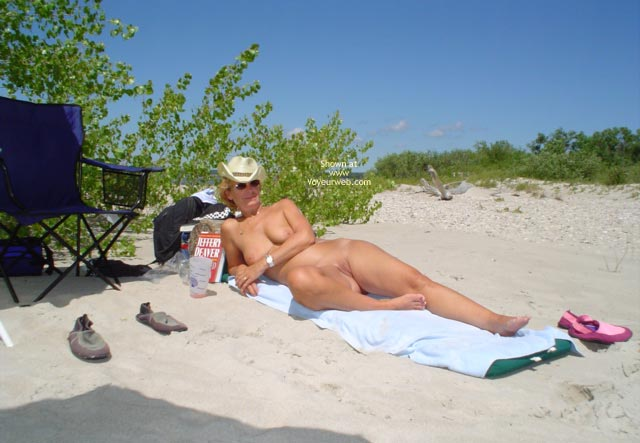 Pic #3 - Canadian Beach 57 Yr Old Wife