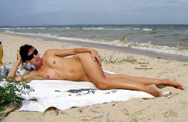 Pic #1 - Long Lean Legs - Long Legs, Small Tits, Sunglasses, Naked Girl, Nude Amateur, Sexy Legs , Sunglasses At The Beach, Nude Reclining On Beach, Reclined At Beach, Naked At The Beach, Beach Sunbathing, Frontal Nude, Small Tits Naked At Surfline, Leg Crossed, Breasts And Belly Exposed, Long Cool Woman Sans Dress, Small Tits On The Beach, Young Lean Shaply Woman