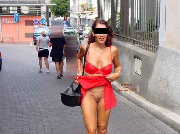 Pic #9 - Monique Flashing On The Street From France