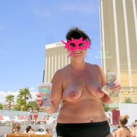 Vegas Trip With Curvy Hot Girlfriend