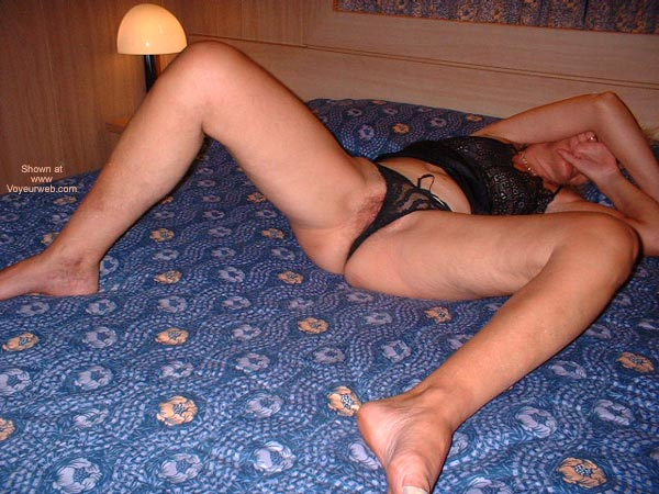 Pic #9 - Italian Lady 50 In Bed