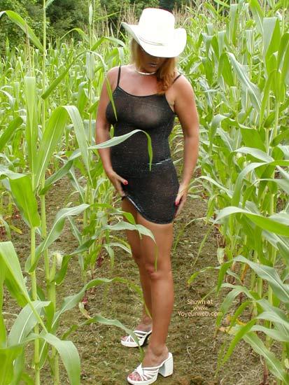 Pic #4 - Soo Hot N A Corn Field