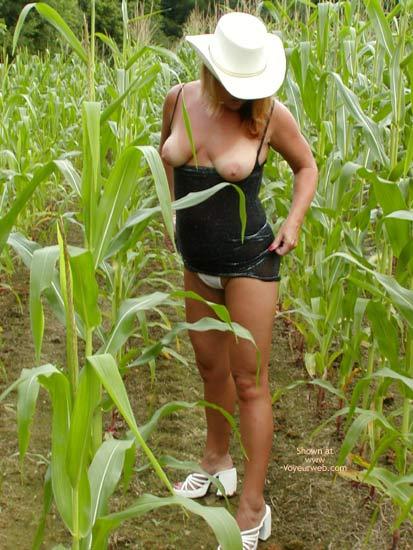 Pic #5 - Soo Hot N A Corn Field