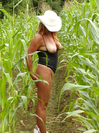 Pic #8 - Soo Hot N A Corn Field