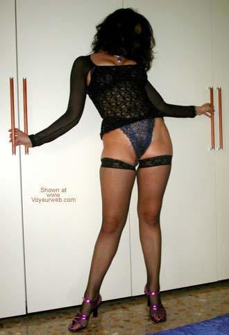 Pic #2 - Kinky Laura - Am I Classy or Vulgar?