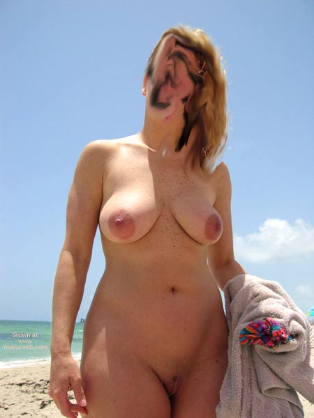Pic #5 - Wife Made My Day At The Beach