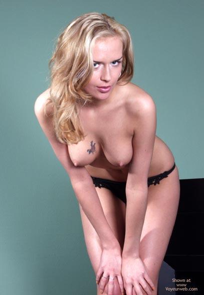 Pic #7 - Blonde`S Striptease Part I