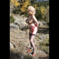 Darling Bares All In The Aspen