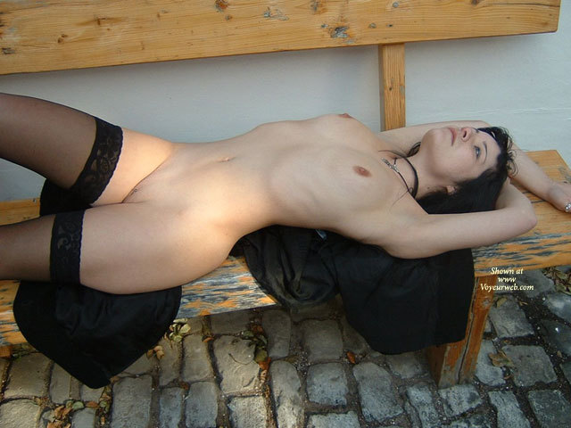 tits-gifs-sexy-naked-bench-suck-friend