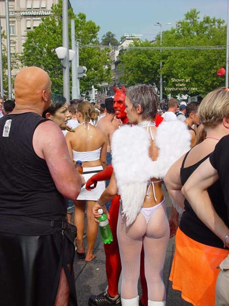 Pic #5 - Street Thongs 2