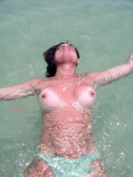 Pic #4 - Sexy Sandy Floating Away