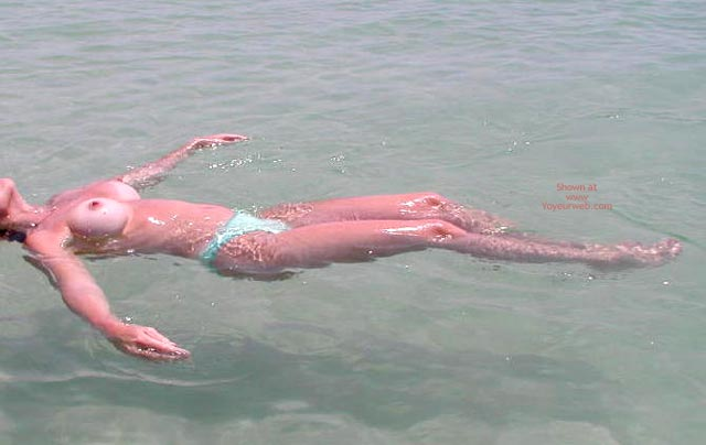 Pic #5 - Sexy Sandy Floating Away