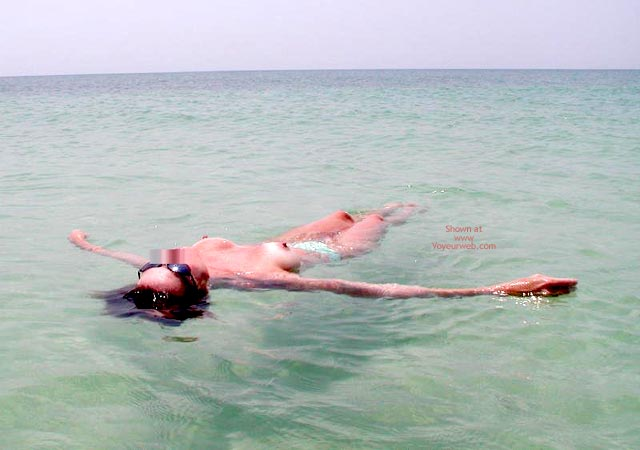 Pic #7 - Sexy Sandy Floating Away