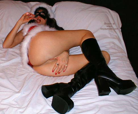 Pic #5 - *SN Suzy Getting in The Xmas Spirit