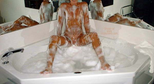 Pic #5 - Rub-A-Dub-Dub BiJenn's in The Tub