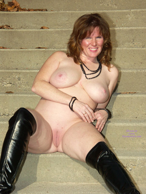 Pic #3 Lisajane In Her Black Boots