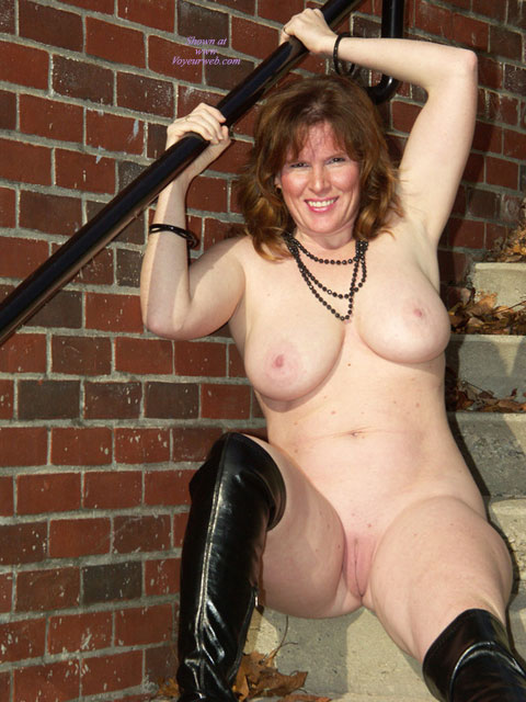 Pic #5 Lisajane In Her Black Boots